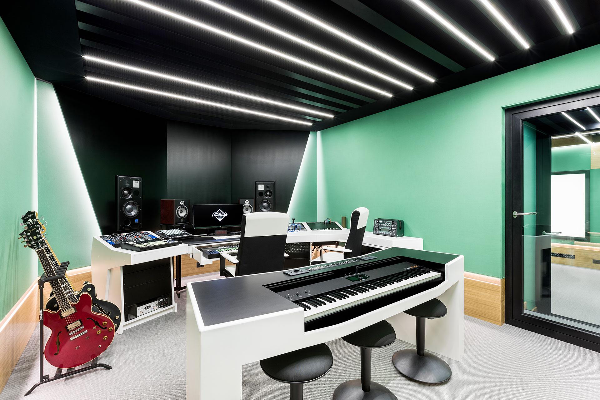 attitude-studio-02