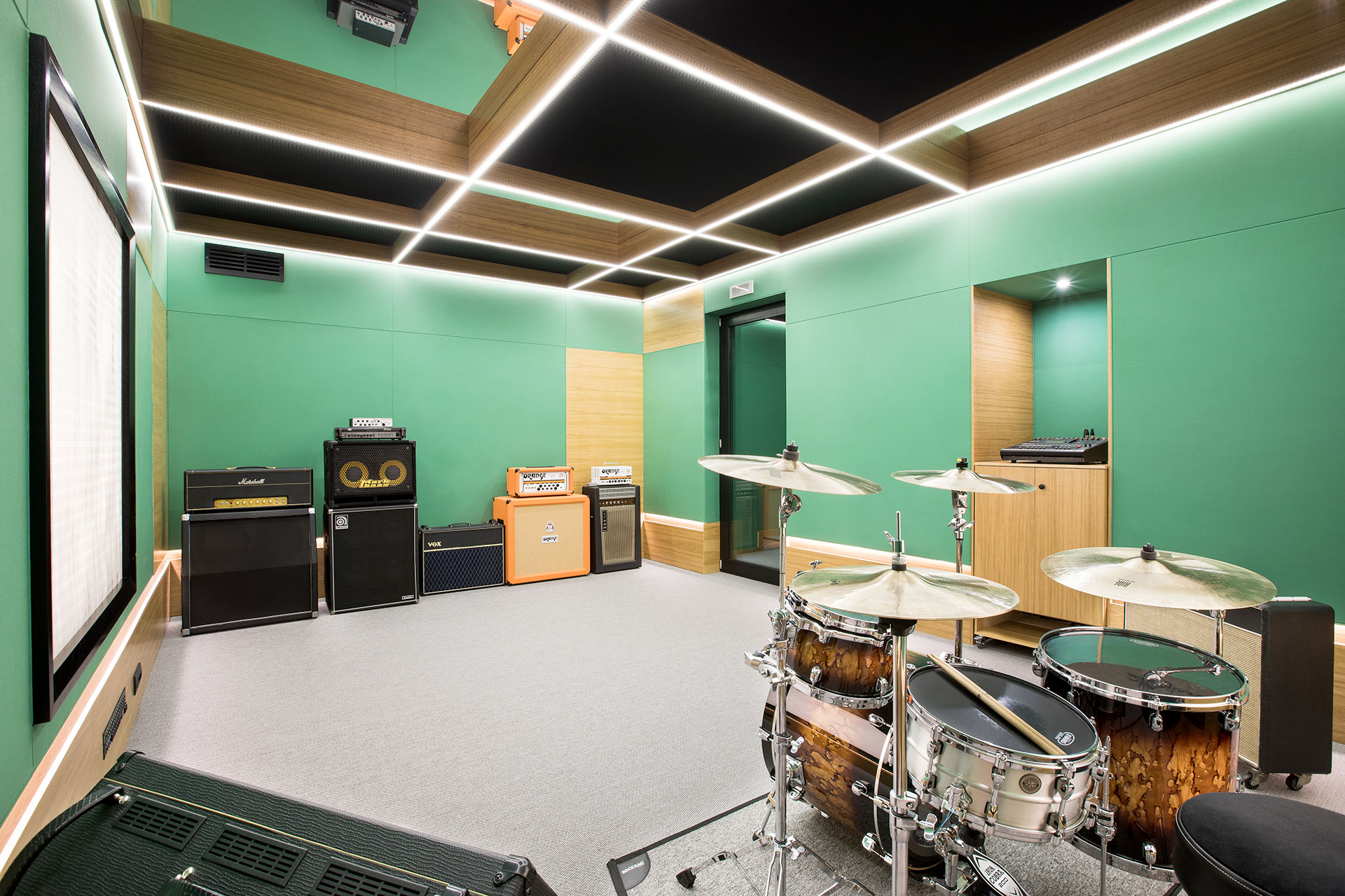 attitude studio sala